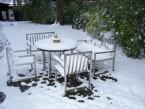 Winterfest: Gartenbank als Teil einer Sitzgruppe - de greiff design